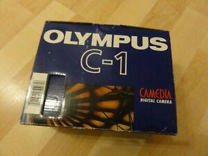 Olympus-CAMEDIA-C-1-1-3MP-Digitalkamera-Silber