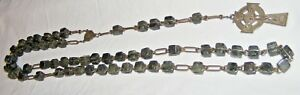 VINTAGE-CONNEMARA-BEADS-ROSARY-CROSS-CRUCIFIX-25-INCH-DROP-LONG-LENGTH