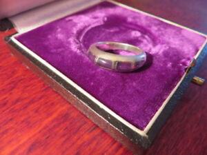 Schoener-925-Silber-Ring-Lila-Flieder-Violett-Schlicht-Retro-Klassiker-Designer