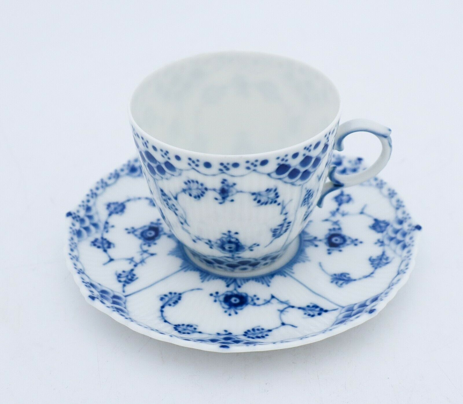 Image 6 - 12 Cups & Saucers #1035 - Blue Fluted Royal Copenhagen Full Lace - 1:st Quality