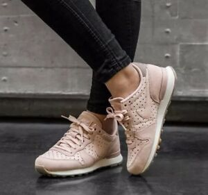new style b4e93 acc6f Image is loading Nike-Internationalist-PRM-828404-204-Particle-Beige-Suede-