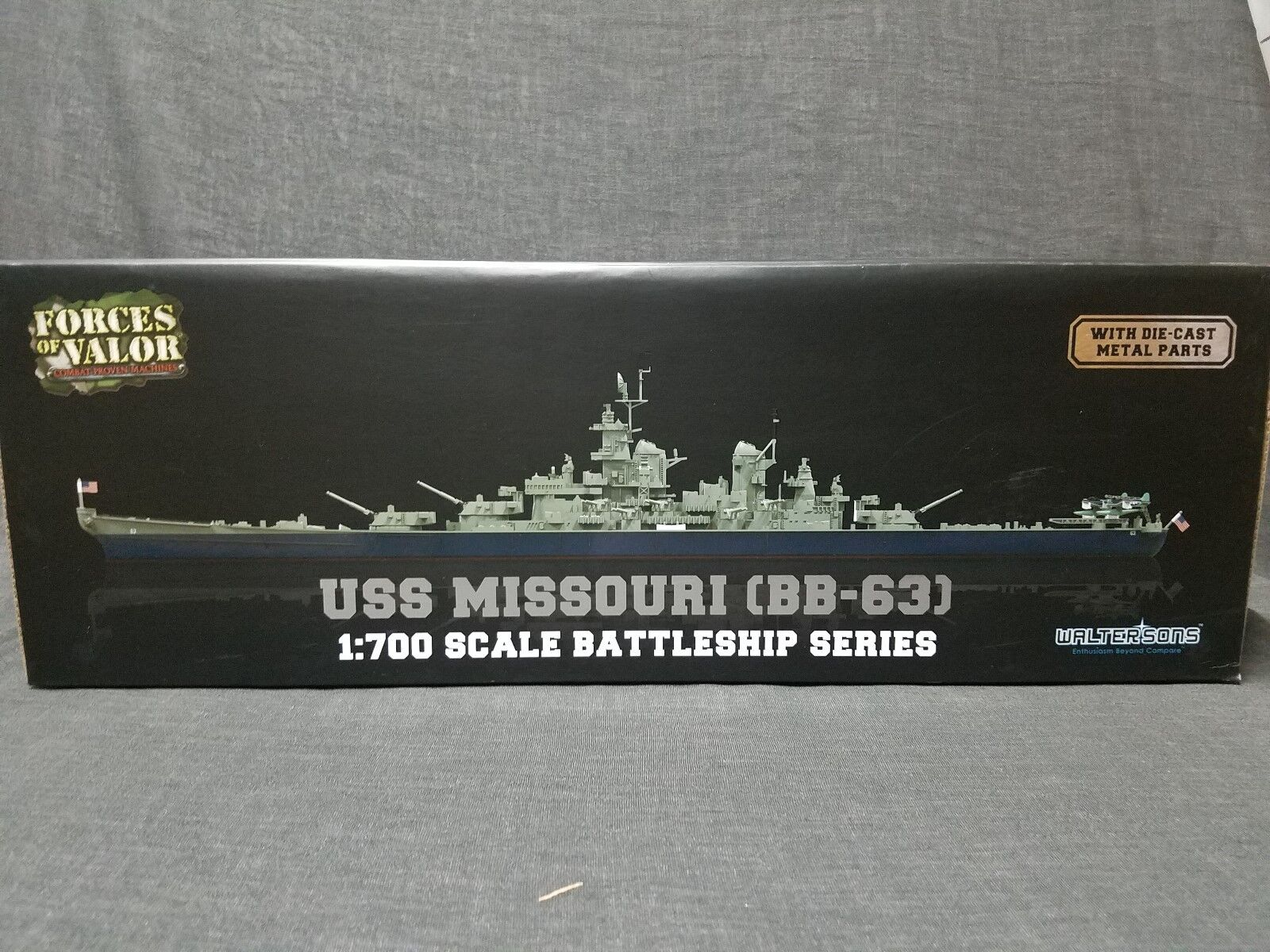 Forces of Valor -  USS Missouri ( BB - 63 ) 1 700 Scale