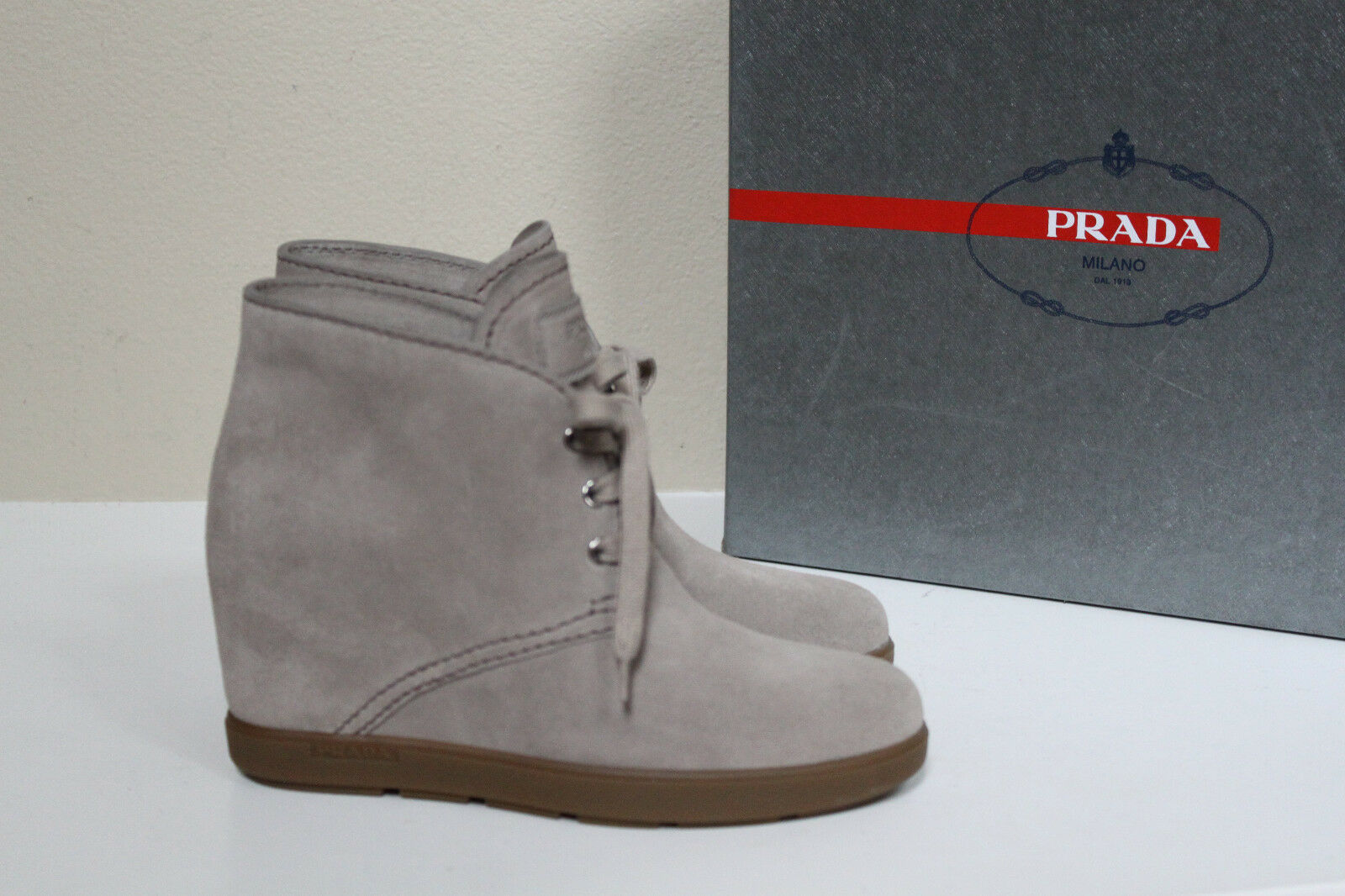 New sz 10.5 40.5 PRADA BEIGE Suede Lace Up Ankle Wedge Bootie Heel Womens Shoes