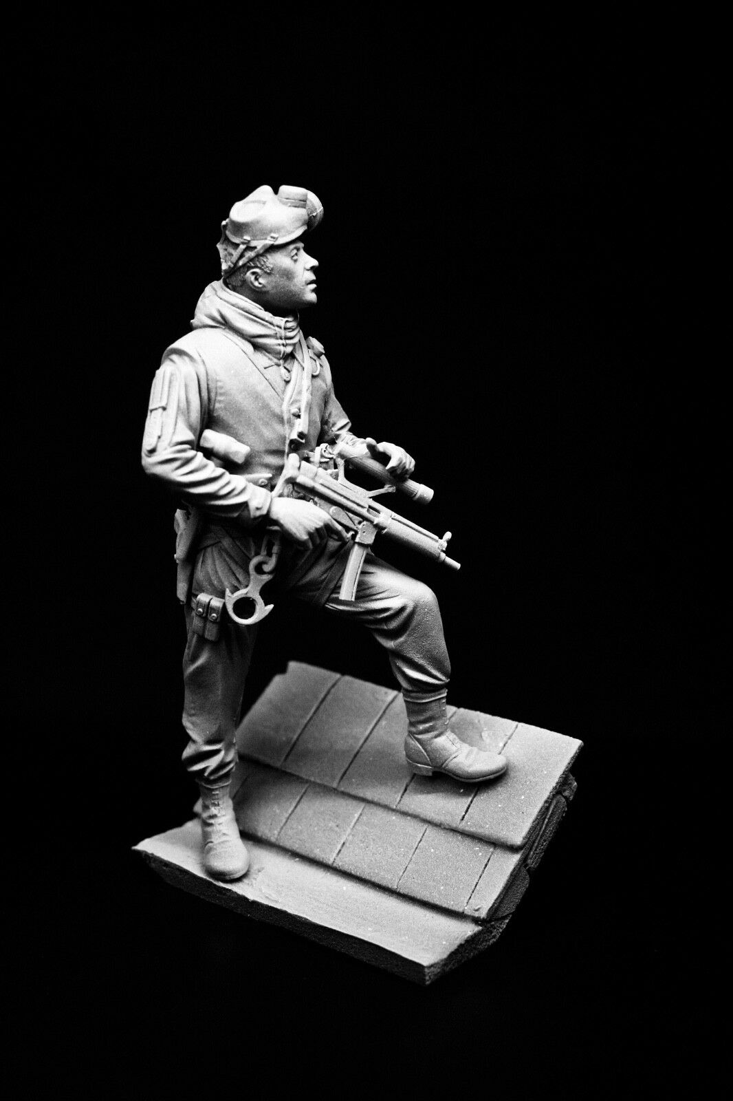 120mm 1 16 SAS Trooper, Operation Nimrod, 1980, sculpted by Maurice Corry