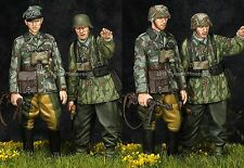 Alpine Mins 35195 WW2 German Grenadiers 2 Figure Set 1/35th Unpainted kit