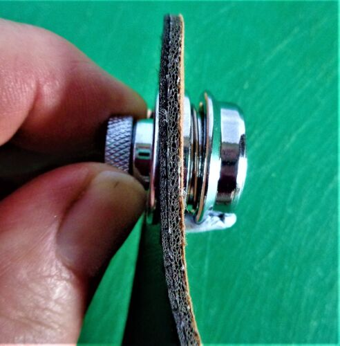 1 Flat-Head-Round-Strap-Lock-For-Electric-Acoustic-Guitar-Bass Silver