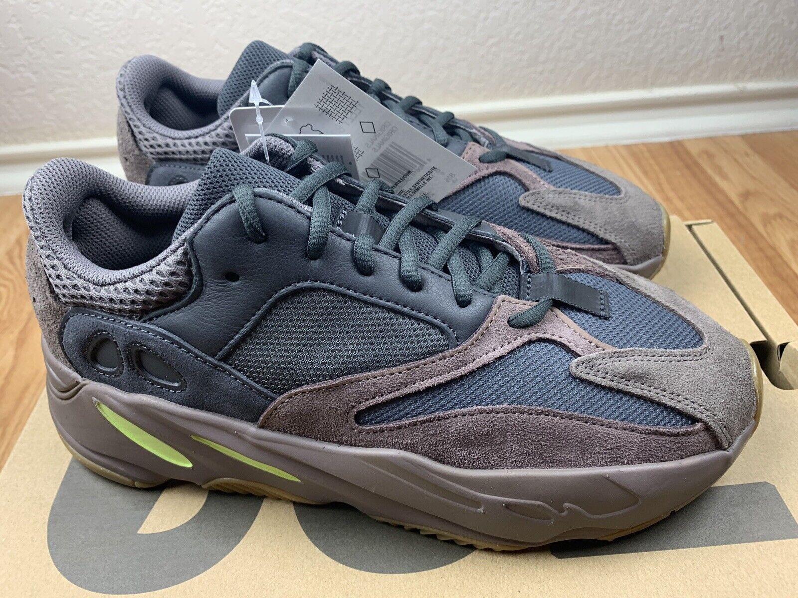 adidas Yeezy 700 Mauve Ee9614 Size 8.5