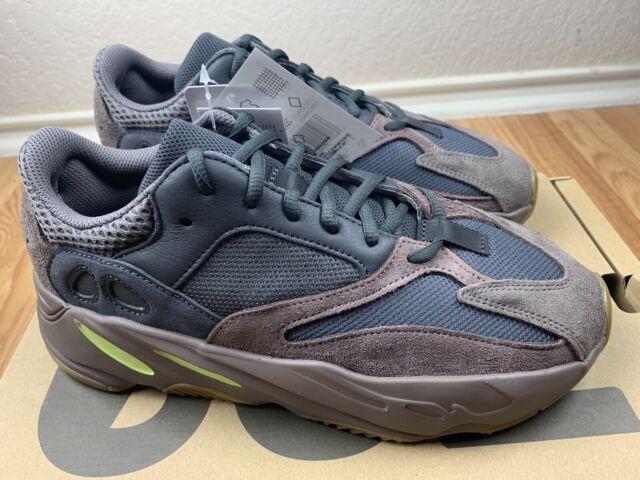 the latest 5bc60 65962 adidas Yeezy 700 Mauve Ee9614 Size 8.5