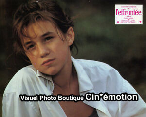 12-Photos-Cinema-21-5x27-5cm-1985-L-039-EFFRONTEE-Charlotte-Gainsbourg-TBE