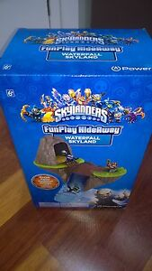 SKYLANDERS-WATERFALL-SKYLAND-FUN-PLAY-HIDEAWAY-UNOPENED