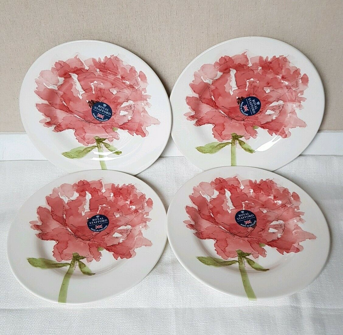 BRAND NEW Royal Stafford rot POPPY Flower Set of 4 SALAD Plates 8 1 2