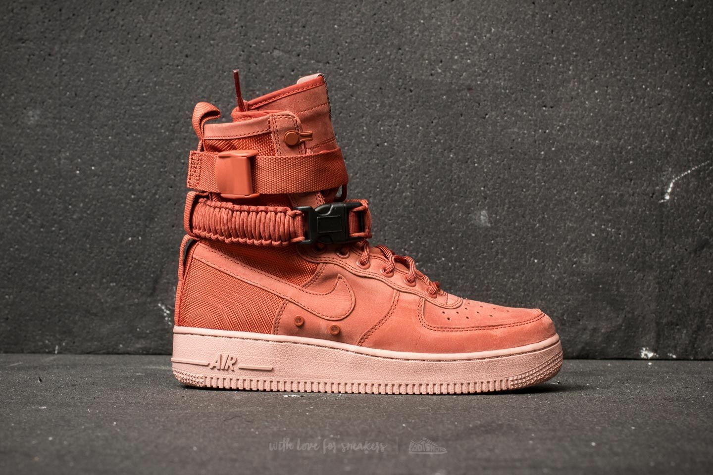 NWOB NIKE W SF AF AIR FORCE 1 SZ 8 SHOES SNEAKERS BASKETBALL RUNNING STREET BALL