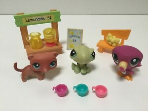 Littlest-Pet-Shop-Mixed-Pets-And-Accessories-Blue-Magnet-x2-Genuine-LPS