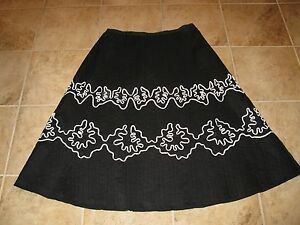 WOMENS-SIZE-BLACK-SKIRT-WITH-WHITE-DESIGN-BY-NAPA-VALLEY