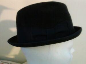 DOBBS-FIFTH-AVENUE-HAT-AND-BOX-ROBERT-REED-GENTELMAN-HATTER-7-1-8-RED-INNER-TAG