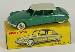 DINKY-TOYS-MODELE-24C-CITROEN-DS-19-BOITE-ORIGINALE-VERT-1950
