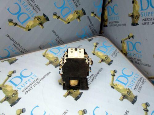SIEMENS 3TF4311-0B 30 A 660 VAC SZ 14 660-690 V 24 VDC 3 POLE CONTACTOR