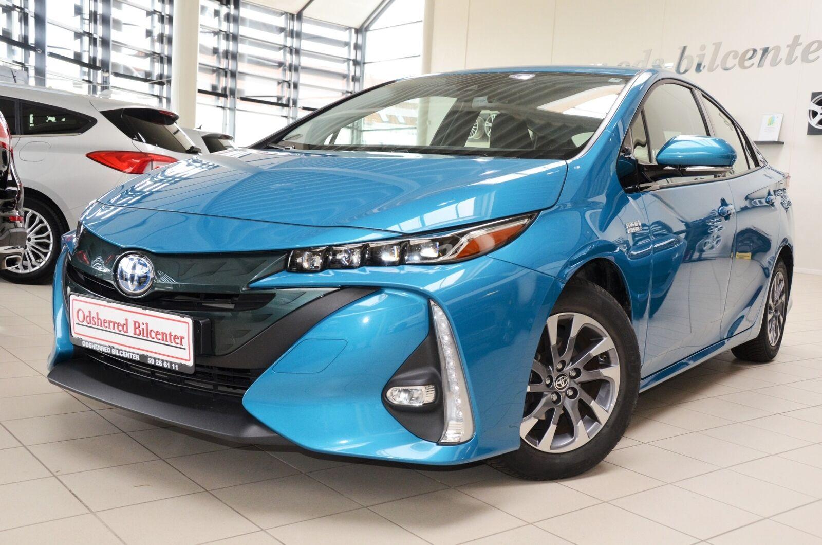 Toyota Prius 1,8 Plug-in Hybrid H3 MDS 5d - 199.985 kr.