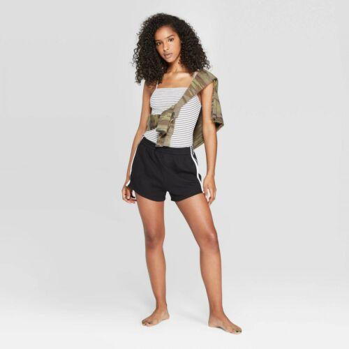 00558214 NWT Colsie Womens Striped Bodysuit