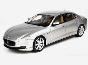 1:18 Maserati Quattroporte 2013 1/18 • Top Marques Top06a