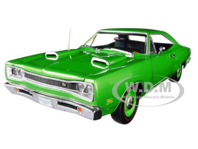 1969 DODGE CORONET SUPER BEE verde LTD 1002 PCS 1/18 DIECAST AUTOWORLD AMM1136