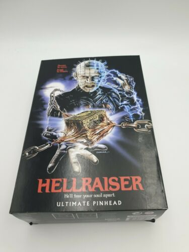 Hellraiser-Ultimate Pinhead Action figure da NECA