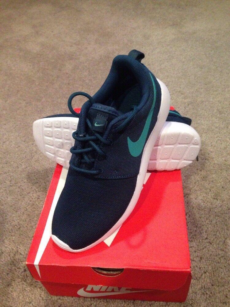 Nike Roshe One Sneakers. Women's 6.5. Brand New.
