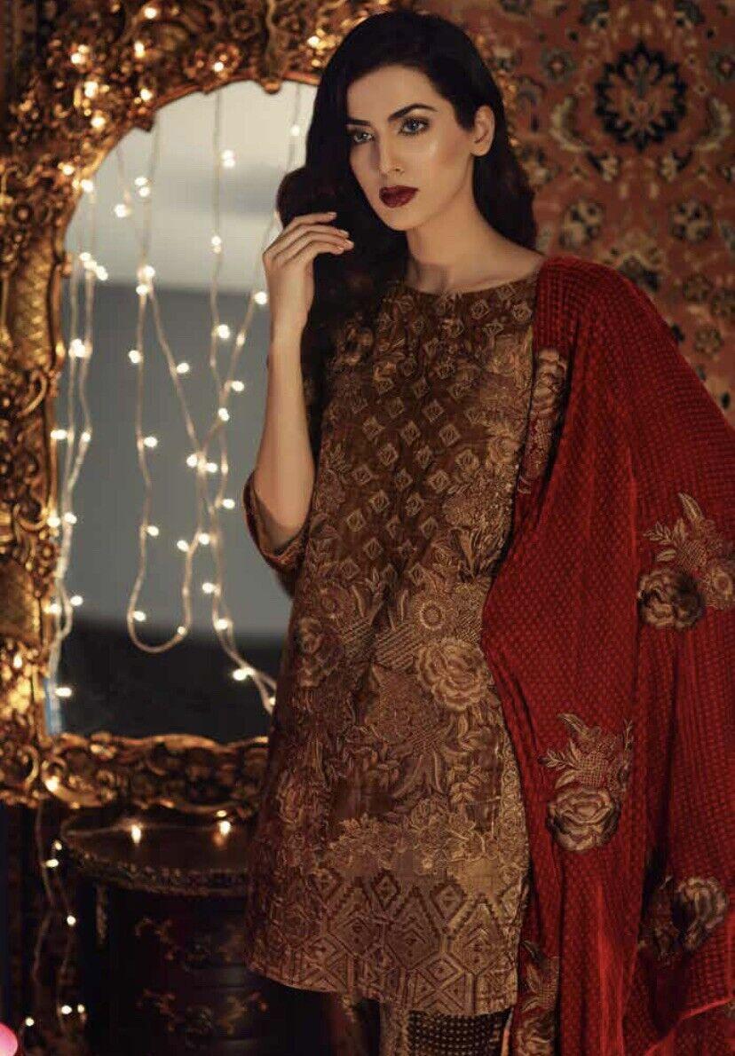 Salwar Kameez Unstitched Charizma Embroidered Velvet Collection Signora