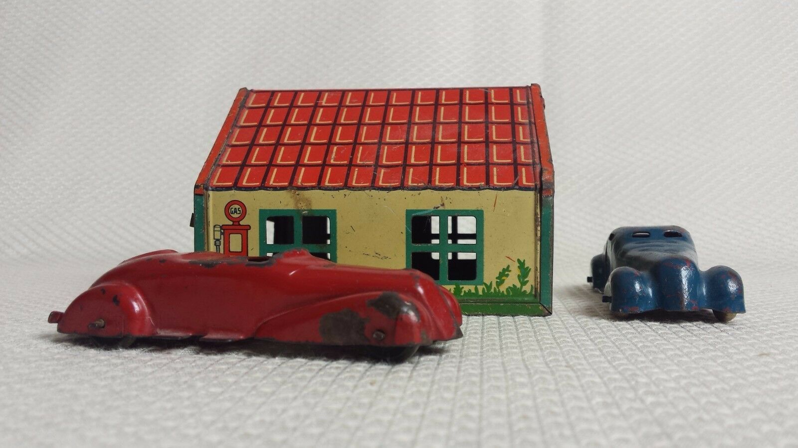 Great Vintage Two-Car Garage Tin Litho Service Station, WYANDOTTE