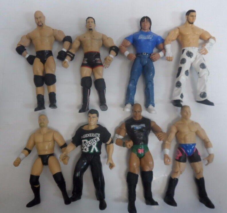 VINTAGE LOT OF 8 WWE ACTION FIGURES WRESTLING 7   9784-1 A   8