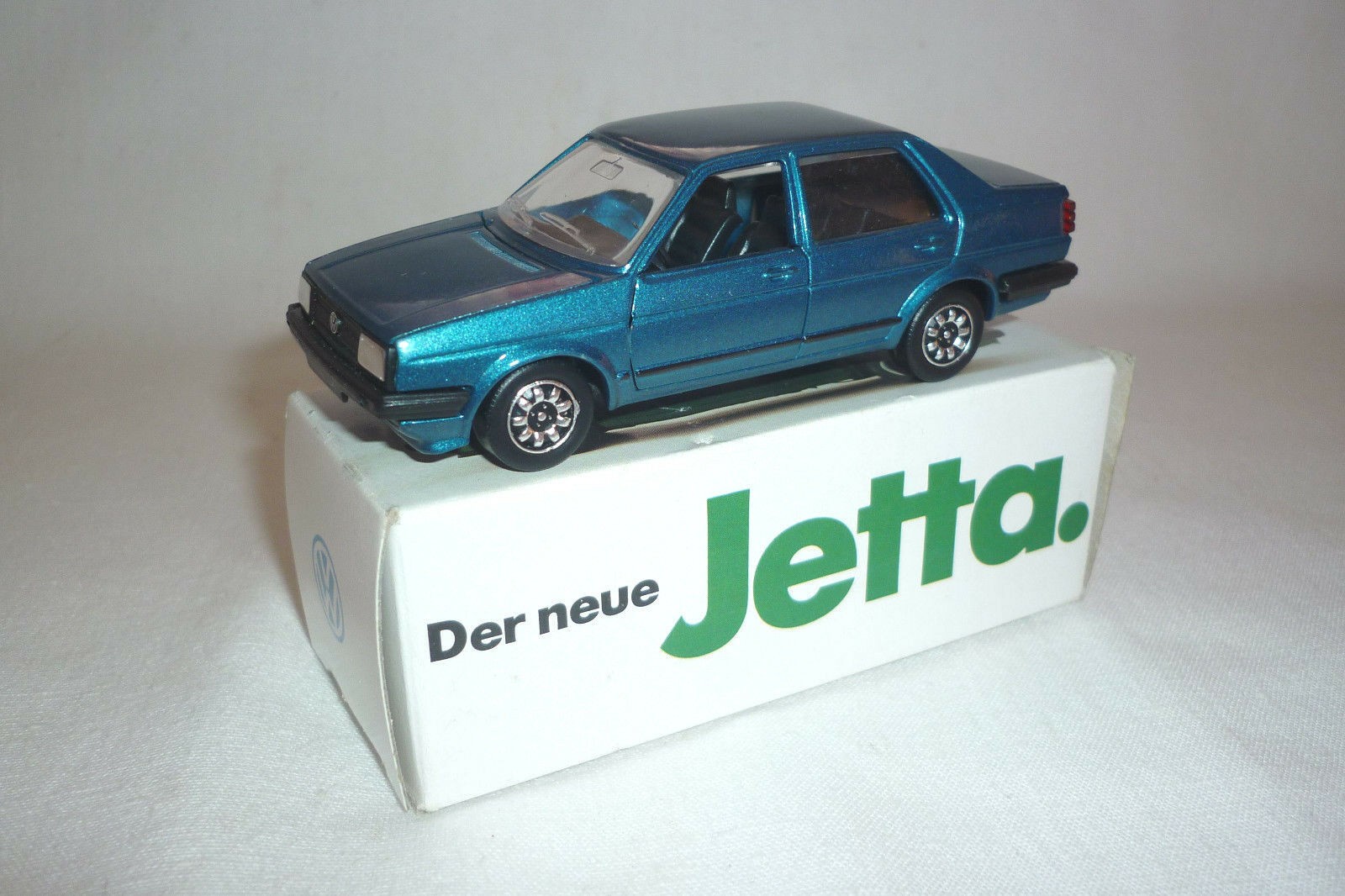 Schabak-modello-VOLKSWAGEN JETTA - 1:43 - OVP - (3.div-22)