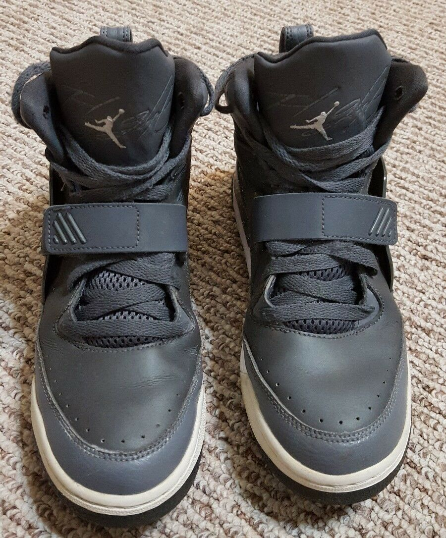 FLIGHT 97 NIKE JORDAN 654978-004 GREY BBALL SHOES EXCELLENT CONDITION SIZE 6.5Y
