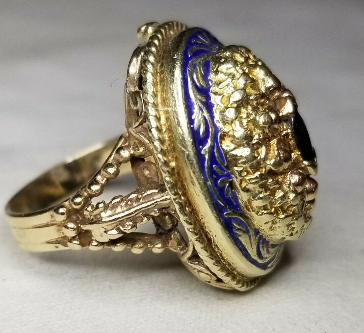 VINTAGE ANTIQUE 14K YELLOW gold  RING NATURAL blueE SAPPHIRE MARQUISE SHAPE