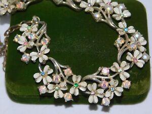Vintage-Coro-White-Enamel-Daisy-Flower-Multi-Rhinestone-Choker-Necklace-7g-78