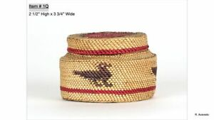 Makah basket with lid with  bird motif- Early 20th century