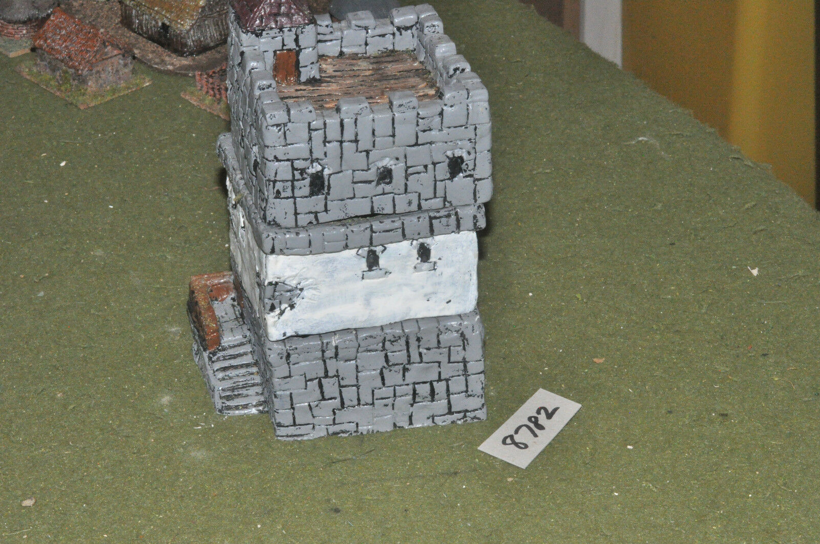 15mm medieval   generic - tower 3 sections painted - scenics (8782)