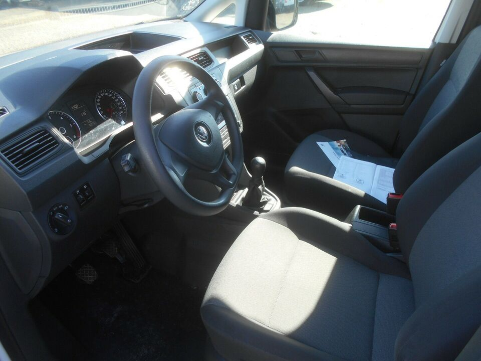 VW Caddy 2,0 TDi 102 BMT Van Diesel modelår 2017 Hvid km 92000