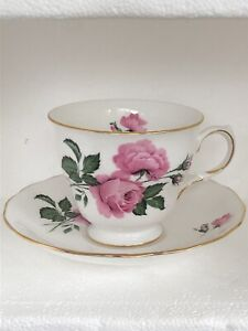 Queen-Anne-Pink-Rose-Floral-Bone-China-Teacup-Saucer-Set-England-Vintage