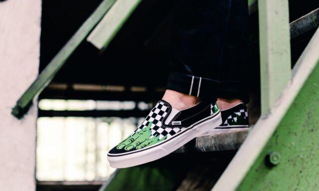 VANS Classic Slip on Hulk Checkerboard Men's 10 Skate Shoes Marvel Black