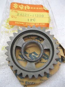 New-NOS-Suzuki-2nd-driven-gear-1976-1980-RM125-1977-1981-RM100-second-output