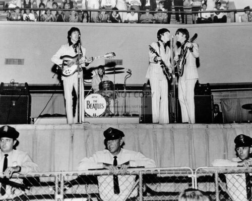 EP-618 THE BEATLES @ THE MID-SOUTH COLISEUM IN MEMPHIS AUGUST 1966  8X10 PHOTO