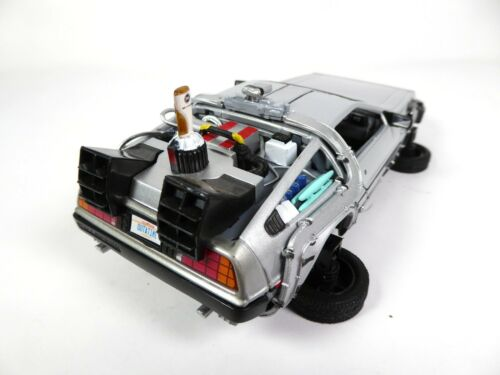 """DeLorean Retour vers le Futur 2 /""""Position Vol/"""" 1//24 Voiture Miniature 22441FV"""