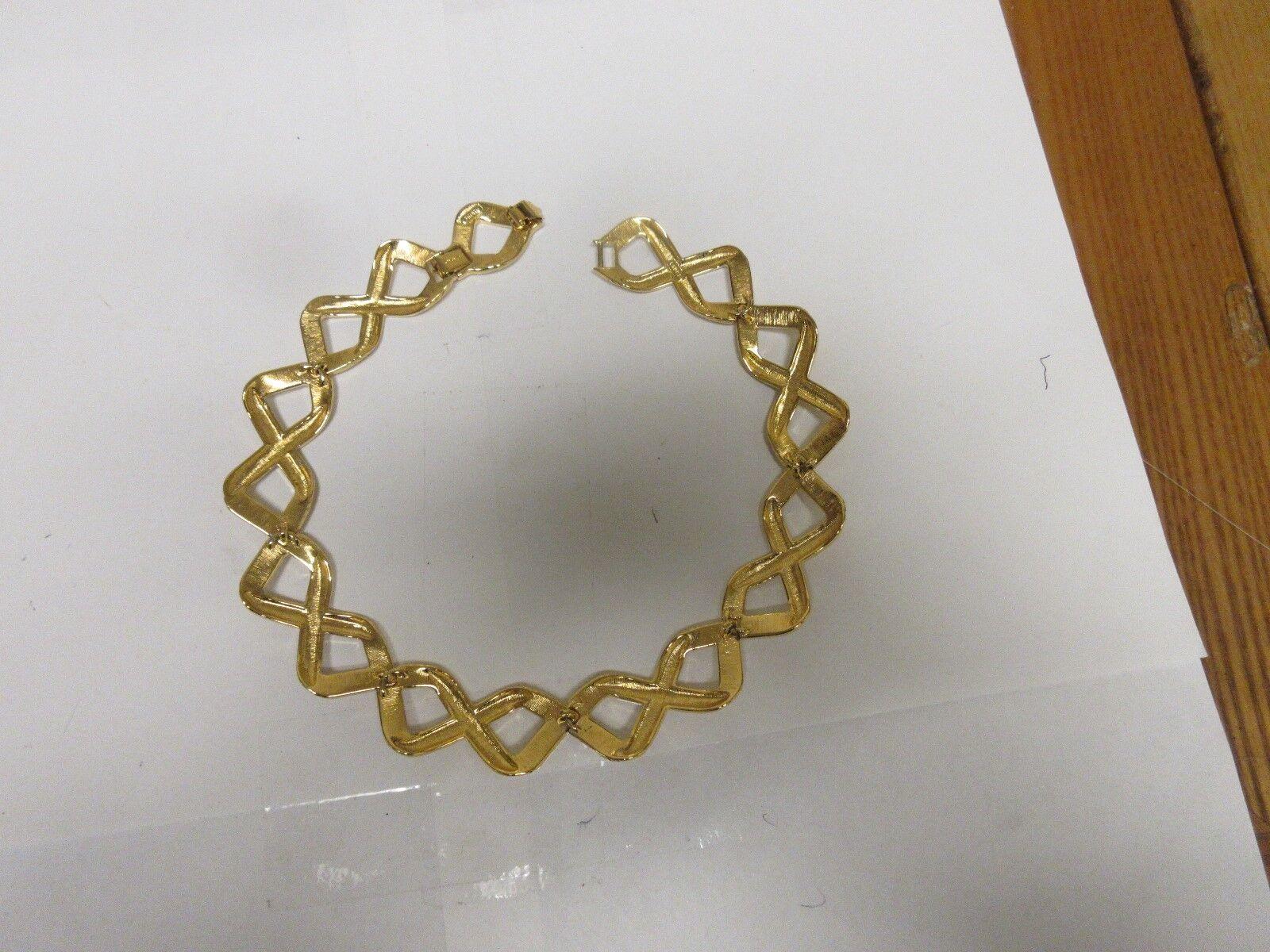 Costume Jewelry , Monet Necklace / Earrings , Gold/Crea