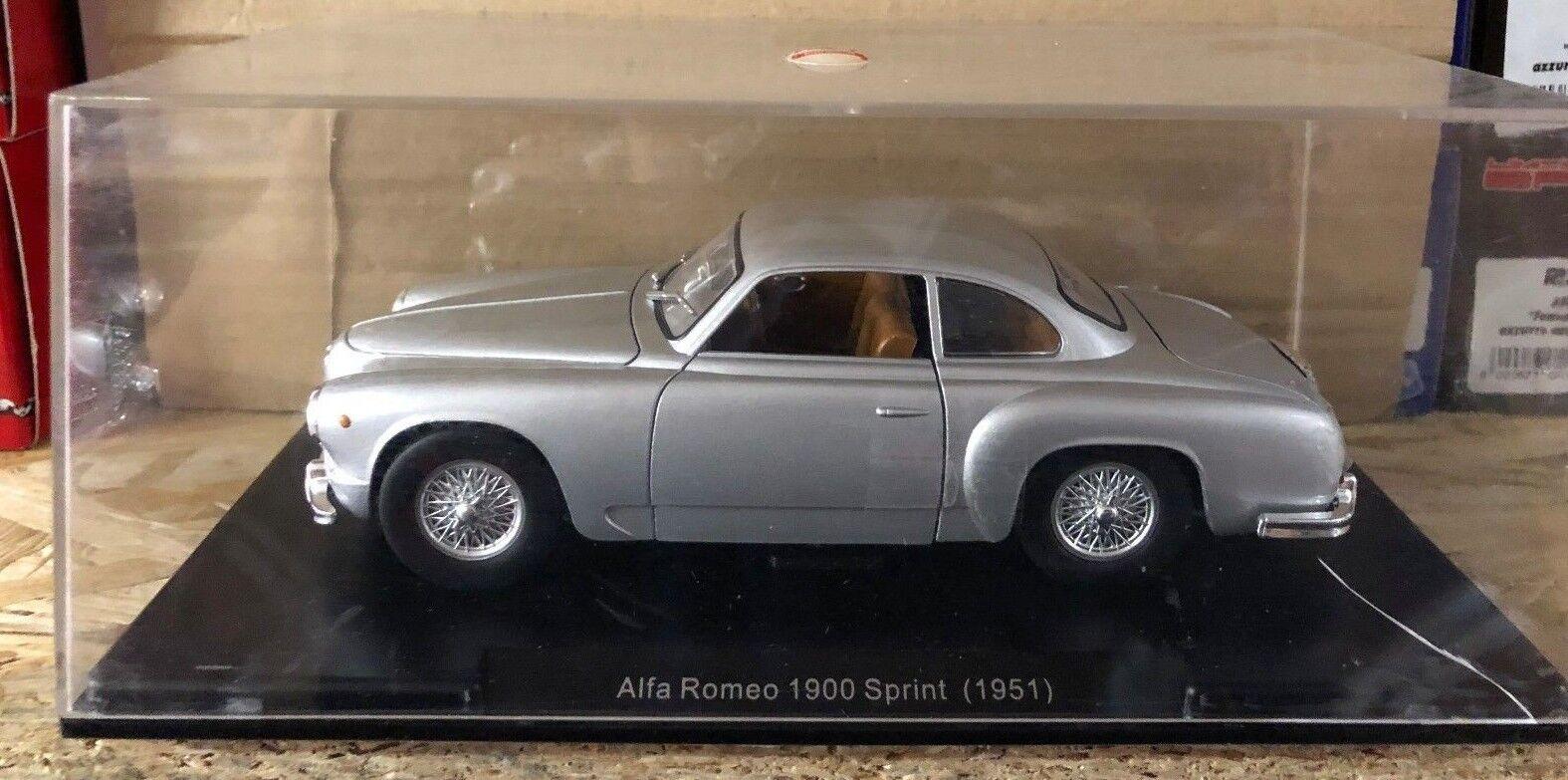 Druckguss  alfa romeo 1900 sprint (1951) und  maßstab 1   24 pkw - oldtimer