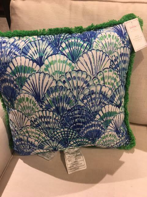 """NEW POTTERY BARN Lilly Pulitzer OH SHELLO Pillow Indoor//Outdoor Beach Pool 20/"""""""