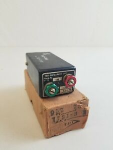 NOS-Tele-Dynamics-Signal-Corps-Type-957-Oscillators-with-Box