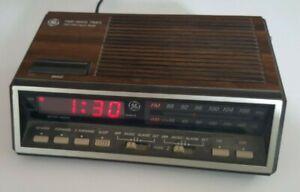 Vintage-Wood-Grain-General-Electric-AM-FM-Radio-Alarm-Clock-Model-74616A-GE