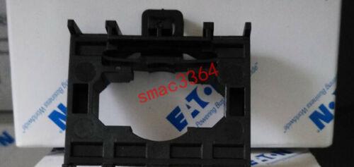 2PC EATON MOELLER M22-A4