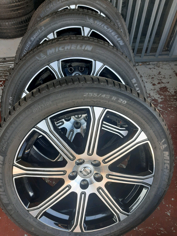 Volvo mags original size 20 with tyres new set call 0677654232