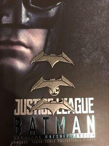 HOT TOYS MMS432 DC JUSTICE LEAGUE BATMAN Tattico Batarangs X3 1//6 Loose